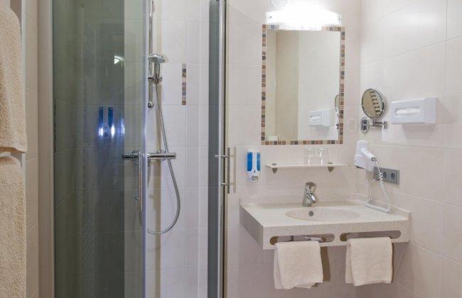 Badezimmer   Pension Hotel Sonnental